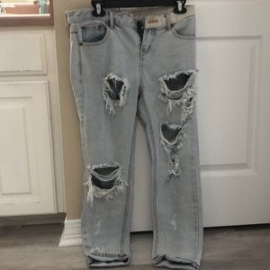 NWOT Never worn teaspoon ripped jeans